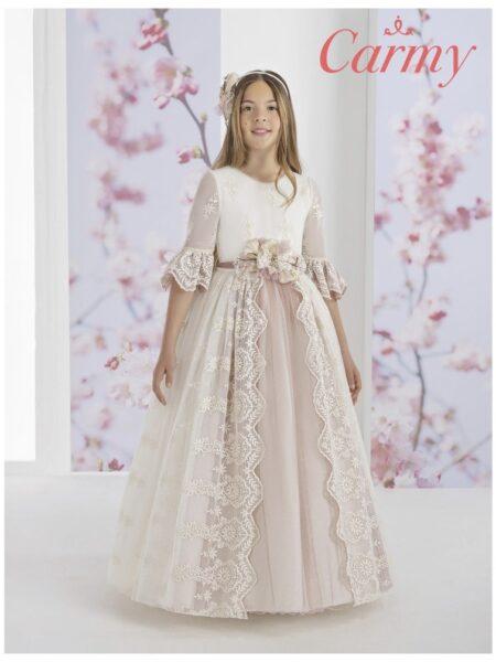 vestido de comunión de estilo romántico con sobre falda y puntillas de terminación modelo 1616 de Carmy