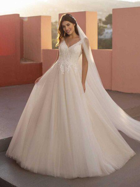 vestido de novia modelo othenia del grupo pronovias