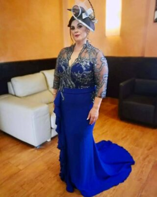 😍 Espectacular como iba nuestra preciosa Madrina Juani Herrera Vargas y su madre en la boda celebrada el 11-Septiembre-2021 con uno de nuestros vestidos diseñado por nosotros en exclusividad. Gracias por confiar en Pureza y darnos la oportunidad de vestiros para un día tan especial y que esperamos lo disfrutaseis muchísimo. #modapureza #yomevistoenpureza #bodas #bodas2021 #vestidosexclusivos #raffaellofiesta #jodar