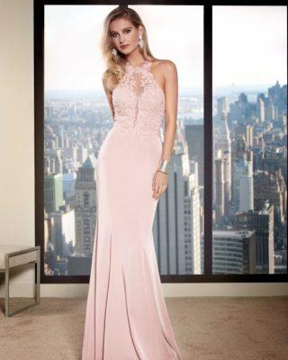 ‼️VESTIDO DE FIESTA EXCLUSIVO‼️ 👗 Vestido de fiesta largo con cuerpo de pedrería, escote halter para realzar la parte del pecho y hombros y una bonita y estilosa falda. #ModaPureza #YoMeVistoEnPureza #Fiesta #Bodas #Boda #Wedding #VestidosDeFiesta #Exclusivo #Glamour #Elegante #RaffaelloFiesta #Asimetrico #Fashion #Style #FashionStyle #ModaFiesta #Moda #Model #Moderno #España #Andalucia #Jaen #jodar
