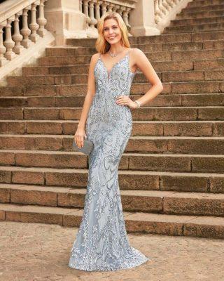 ‼️VESTIDO LARGO DE FIESTA EXCLUSIVO‼️ 👗 Precioso y Juvenil vestido de fiesta Susanna Rivieri en tul de alta calidad con bonito dibujo brocado realizado en lentejuela dándole un toque exclusivo y de glamour marcado por una increíble silueta sirena. #ModaPureza #YoMeVistoEnPureza #Fiesta #Bodas #Boda #Wedding #VestidosDeFiesta #Exclusivo #Glamour #Elegante #Asimetrico #Fashion #Style #FashionStyle #ModaFiesta #Moda #Model #Moderno #España #Andalucia #Jaen #jodar