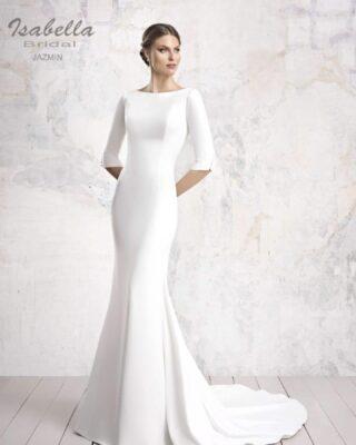 Sencillez, Elegancia, Fineza, son muchos los adjetivos que definen a este precioso vestido de novia y todos quieren decir lo mismo. Si este es tu vestido ideal y quieres sea tuyo. 📲Pidenos Cita en nuestra web modapureza.com o en el 669196299. #modapureza #noviaspureza #noviaselegantes #vestidosdenovia2021 #asseleccion #isabellabridal #novias2021