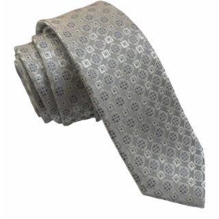 Corbata estrecha para traje. #modapureza #yomevistoenpureza #modauomo