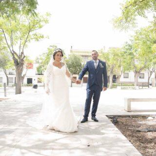 Os dejamos estas bonitas fotos de nuestra preciosa 😍 pareja de novios @sonia.adan.cano y Ángel Germán que celebraron su boda el día 14-Agosto-2021 dándonos la oportunidad y confianza para vestirse en nuestra boutique para un día tan especial y que le estaremos siempre agradecidos.🥂 Desde Moda Pureza brindamos por vuestro Amor y os deseamos que seáis Muy Felices. ‼️GRACIAS‼️📷Fotografías a cargo de @molinagrapher#modapureza #yomevistoenpureza #novios2021 #bodas2021 #conestilopropio #jodar