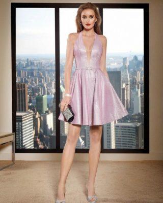 ‼️NUEVO VESTIDO FIESTA CORTO‼️ 👗 Precioso vestido de fiesta corto ideal para ceremonia, confeccionado en tejido tornasol lila y malva con efecto brillo, escote tirante tipo halter y espalda descubierta baja. #modapureza #vistetedepureza #vestidosdefiesta #yomevistoenpureza #fiesta #sexy #juvenil #model #moda #shopping #fashion #fashionstyle #vestidosconvuelo #exclusivo #vestidoscortos #españa #andalucia #jaen #jodar